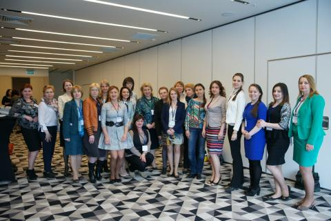 Development of the female entrepreneurship and social technologies in the Murmansk region